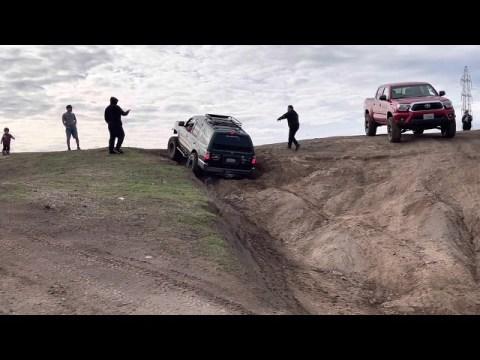 Hmong 4x4 IFS wheeling at Prairie City