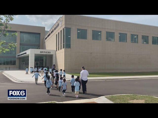 Milwaukee Hmong high school opens