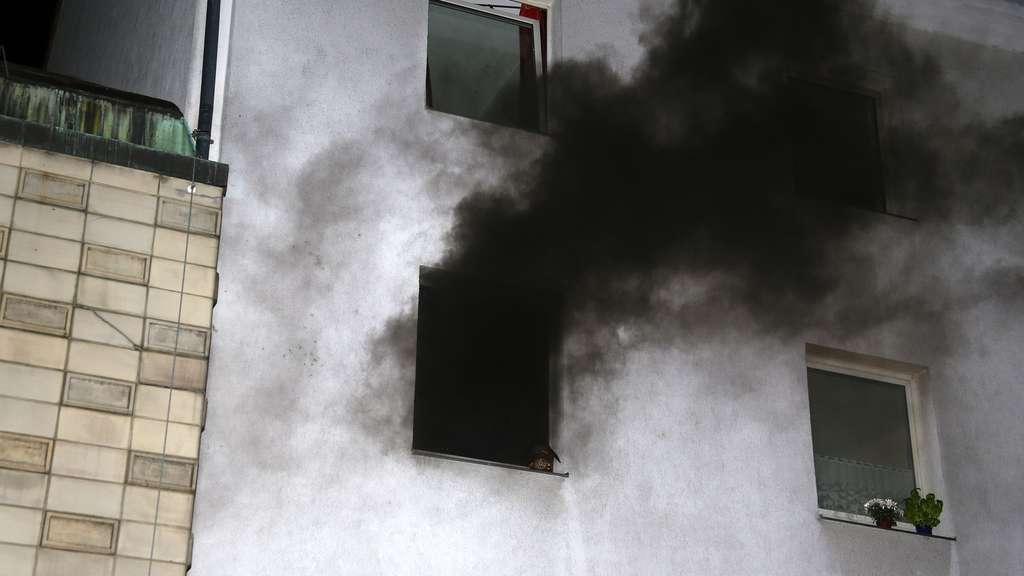 Zimmerbrand durch Plastiklampe in Gttingen  Gttingen