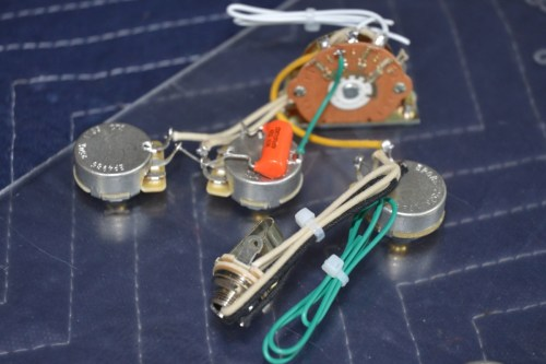 small resolution of stratocaster wiring harness