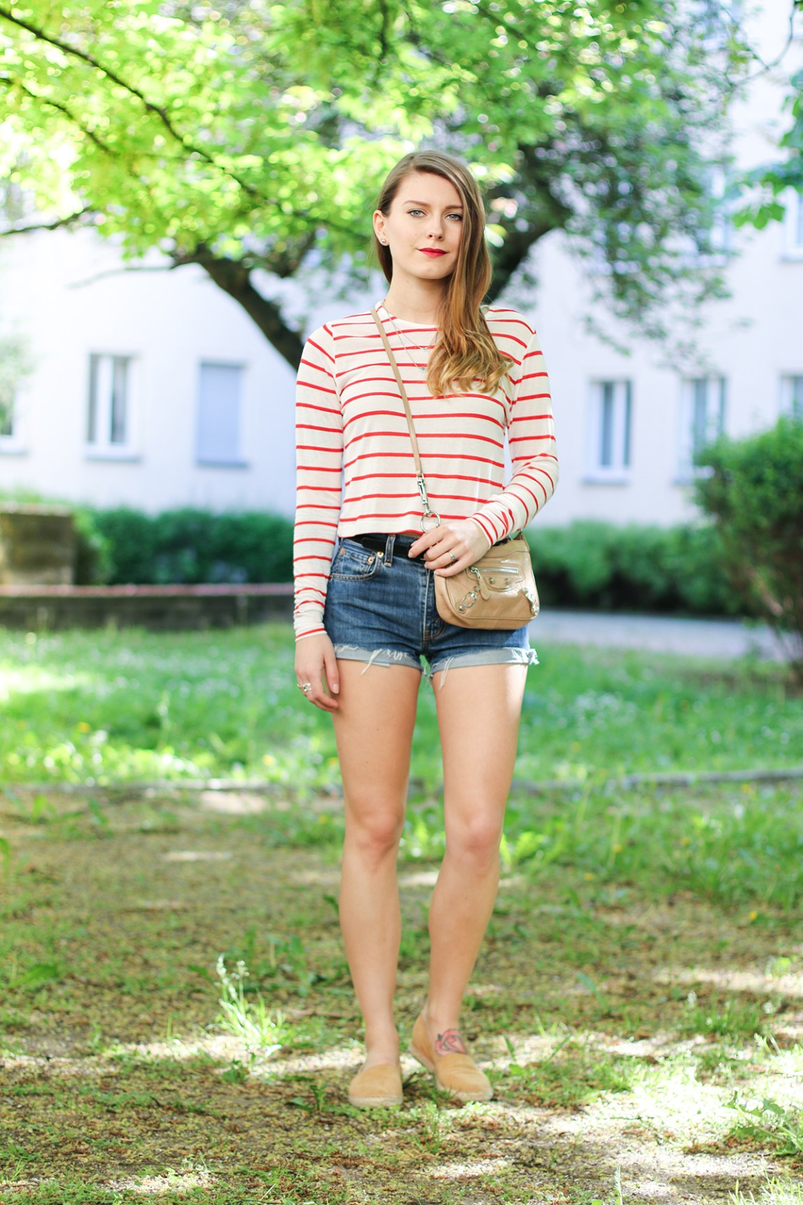 crop_shirt_shorts_1