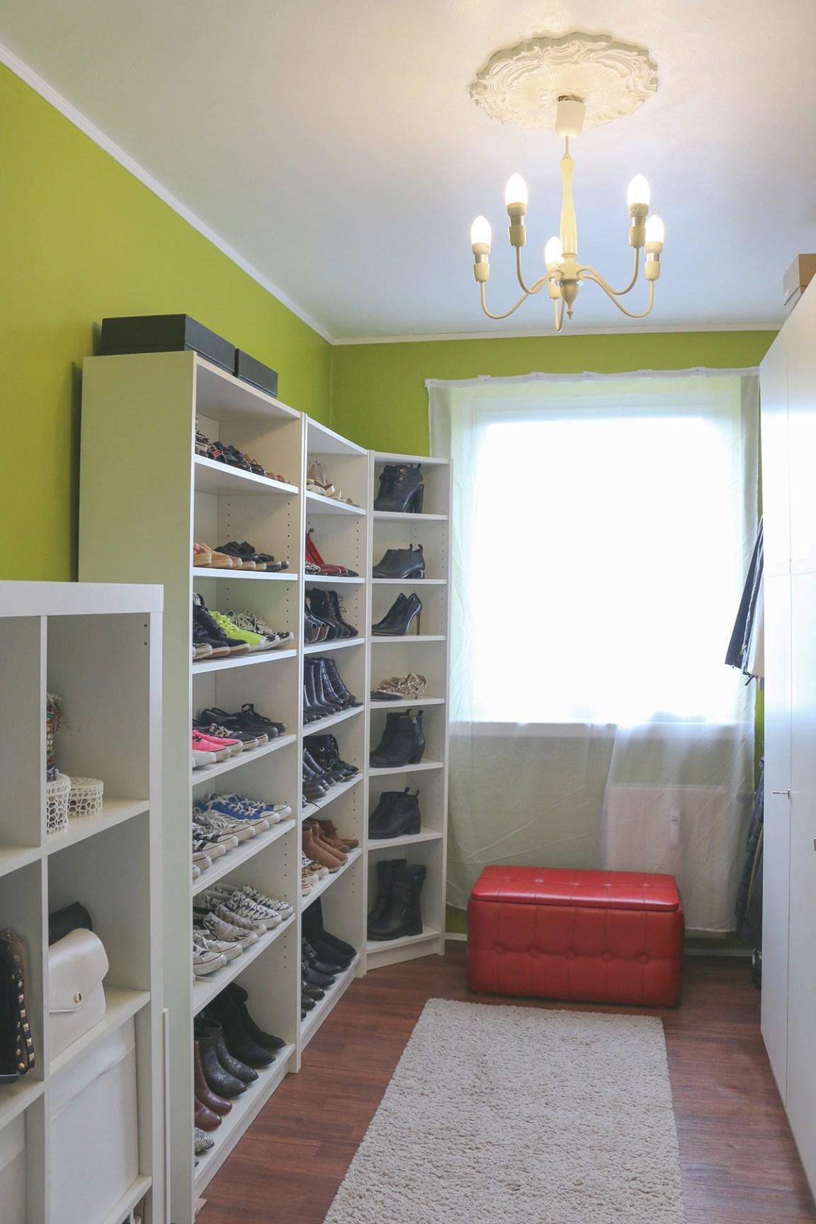 Dressing_Room_1