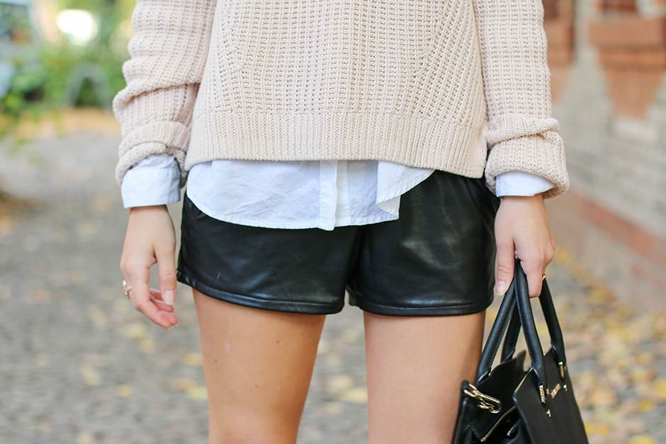 Nude_Sweater_Black_Shorts
