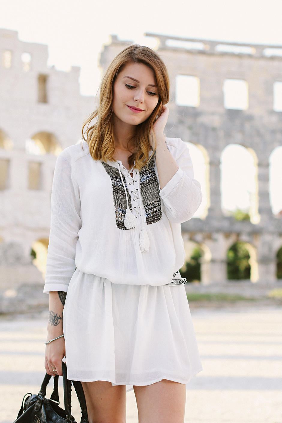 White_Dress_Amphitheater_Pula_2