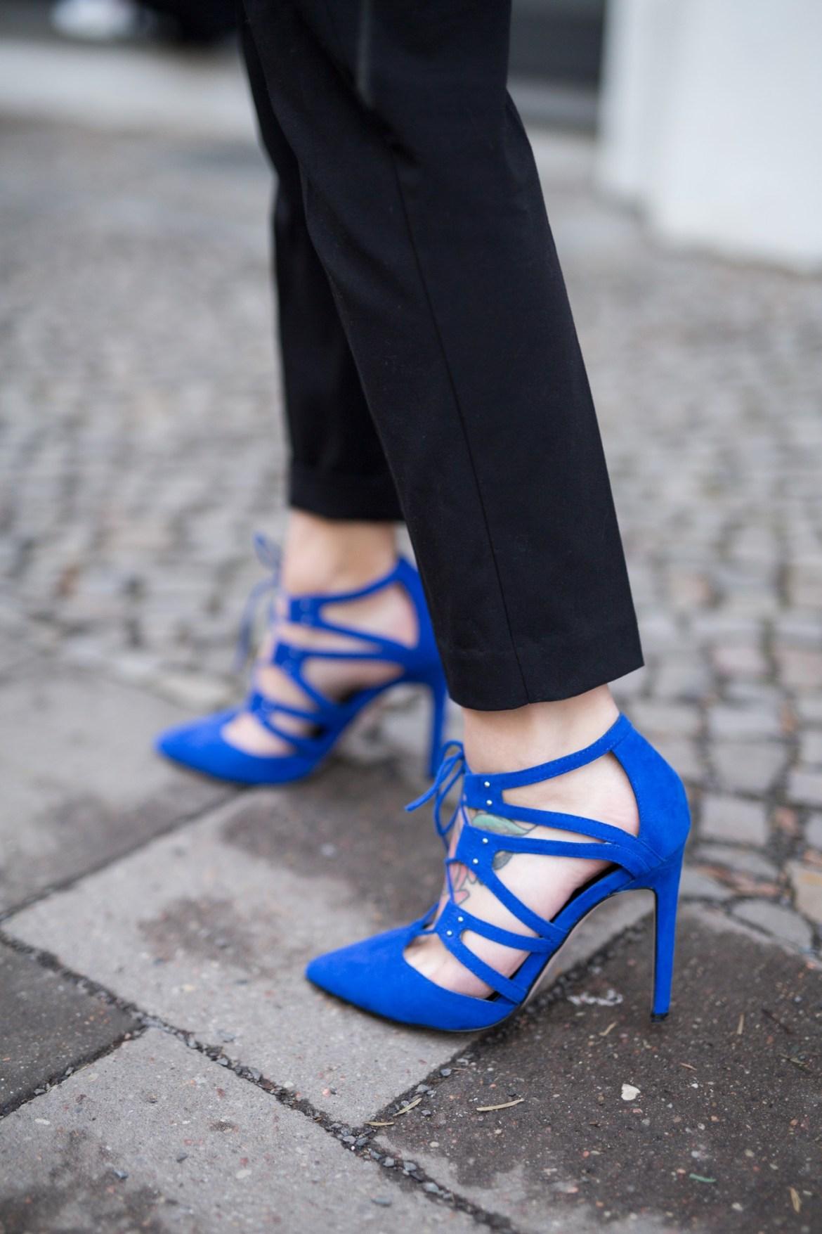 blue_on_blue_8