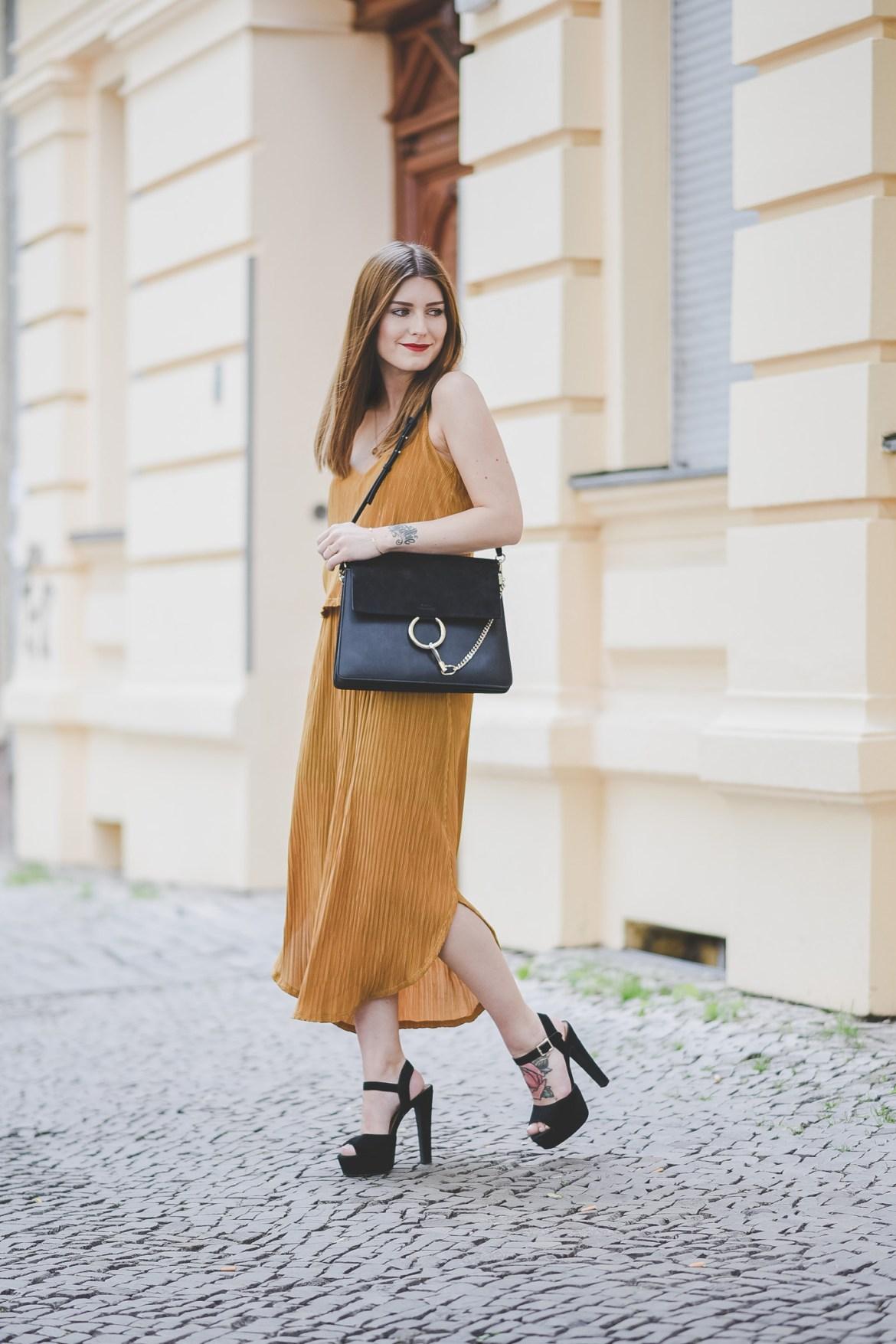 Golden_Summer_Dress_1