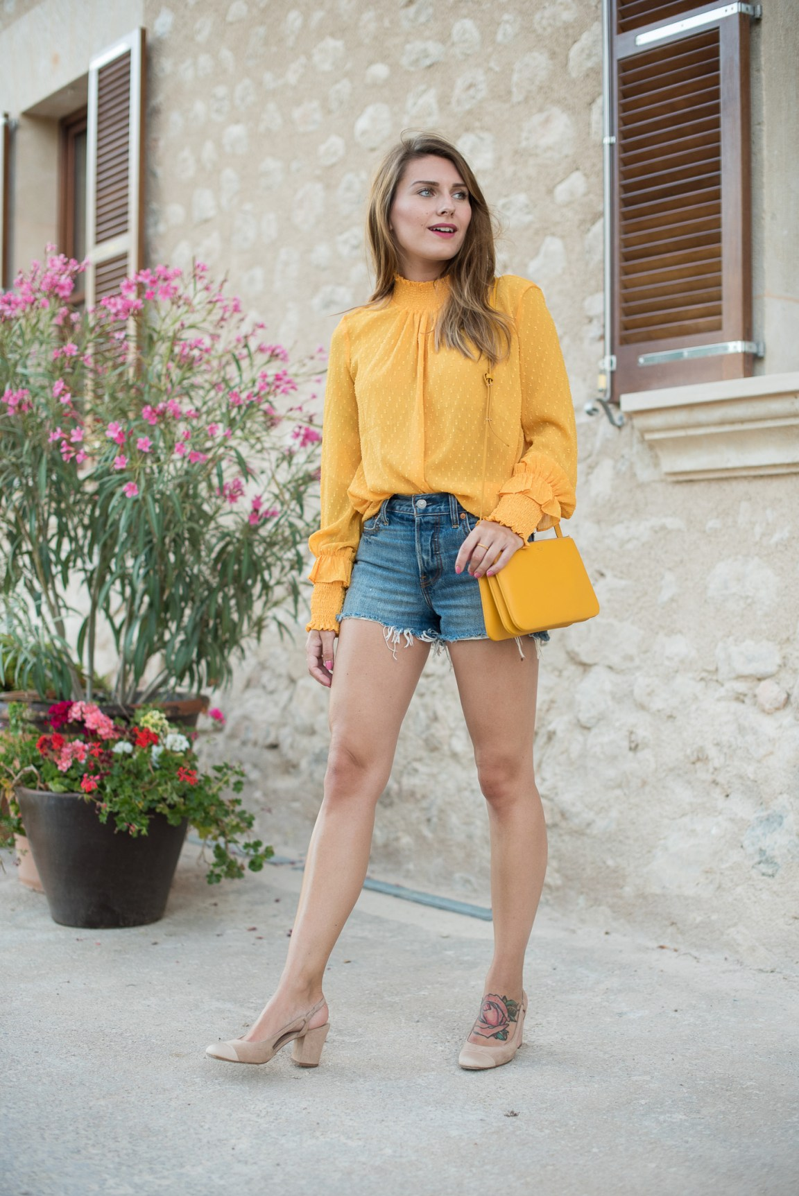 Yellow_Blouse_Mallorca_9