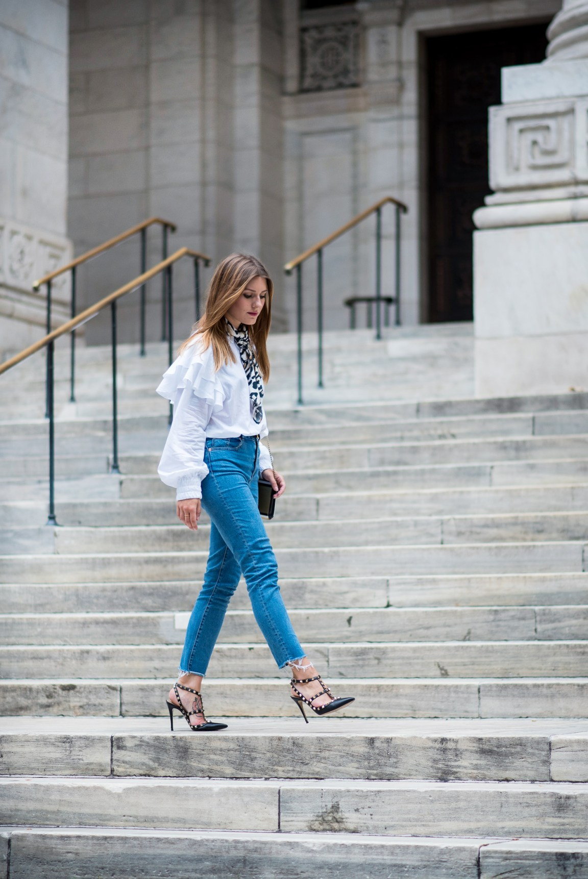 NYFW_Outfit_Mom_Jeans_Carrie_Moment_3