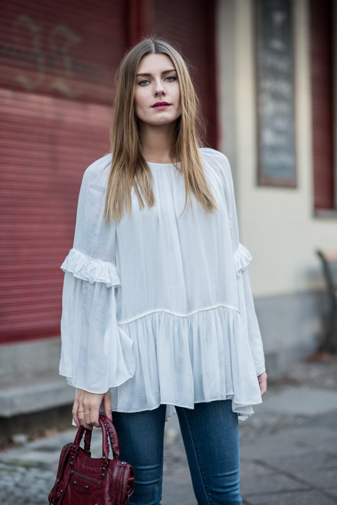 burgundy_outfit_balenciaga_bag_2