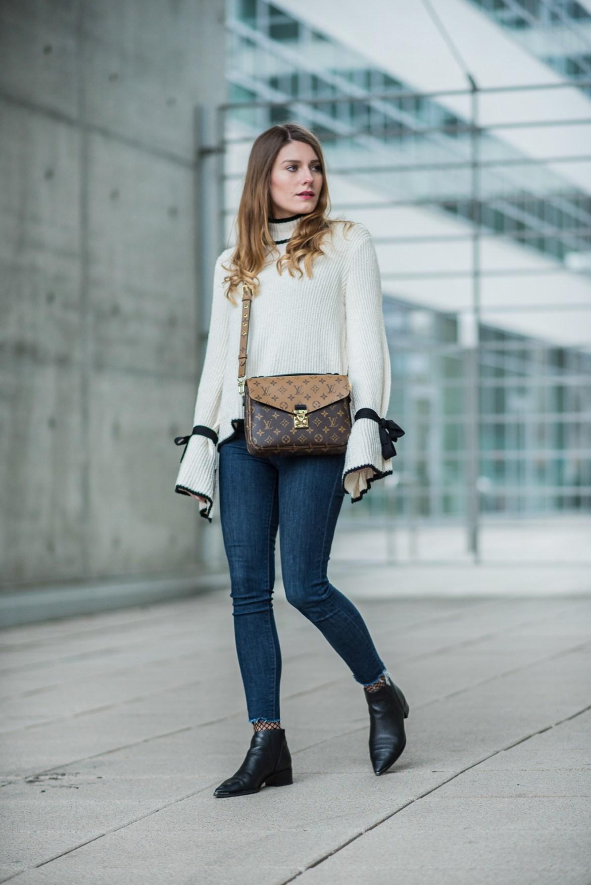 Louis Vuitton Pochette Metis Bag Hoard Of Trends