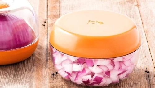 Picture about Storing cut onions in a sealed container