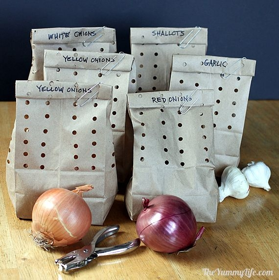Picture Suggesting How to Store Garlic, Onions and Shallots So They Can Last For Months