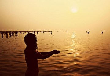 Picture Suggesting Ganga Water is 'Holy,' It's Scientifically Validated Now