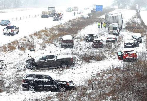 Picture Showing Iowa I-35 Crash Vehicle Pile-up