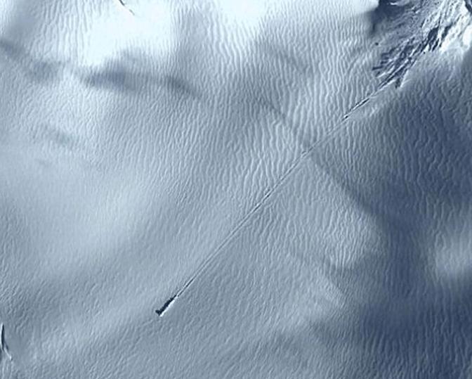 Alleged UFO Crash Landing in Antarctica, Google Earth Images