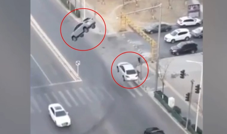 Two Cars Levitated Into Air While On Middle of Busy Road: Fact Check
