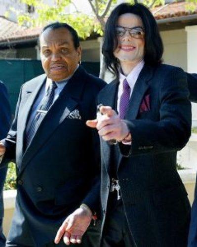 Image of Joe Jackson with son Michael Jackson