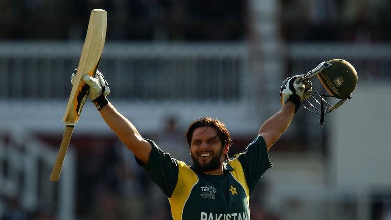 Shahid Afridi Used Sachin Tendulkar's Bat to Hit Fastest Century: Fact Check