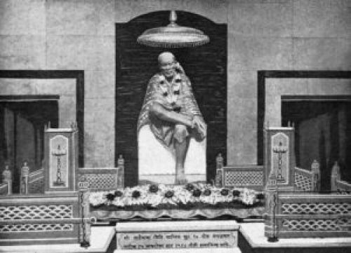 Image of Sai Baba Samadhi with his Idol installed in 1954