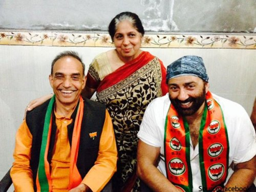 Image of Sunny Deol campaigning for Satyapal Singh in 2014
