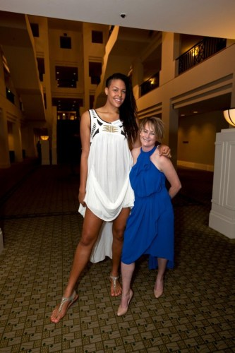 Original picture of Australian basketball player Liz Cambage