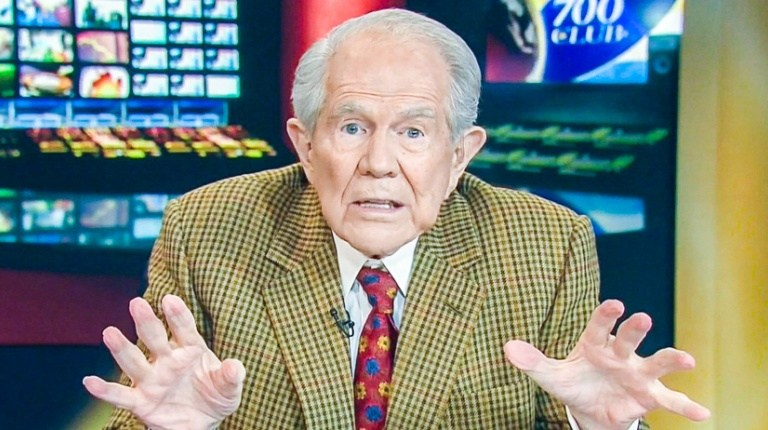 Pat Robertson Claims Jesus Coming Back With AK-47, Camo: Fact Check
