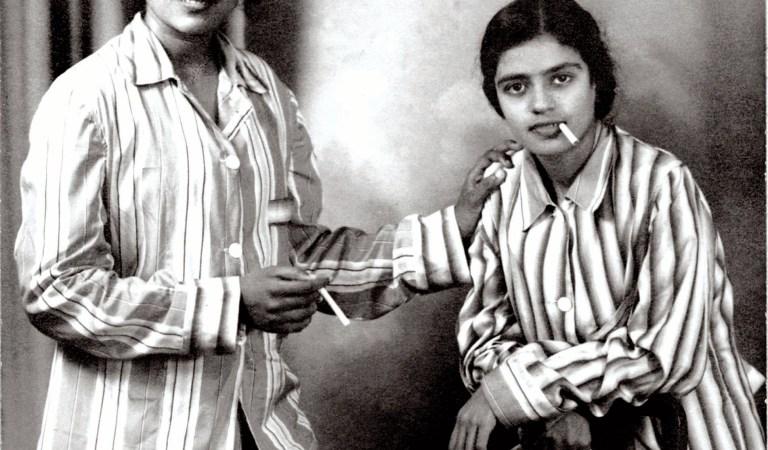 Balasaraswati and MS Subbulakshmi Smoking Cigarettes: Fact Check