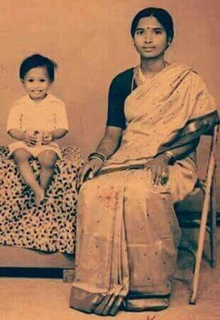 Modi's Childhood Photograph with Mother Heeraben: Fact Check