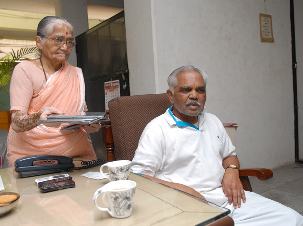 Image of Nana Godse and his wife