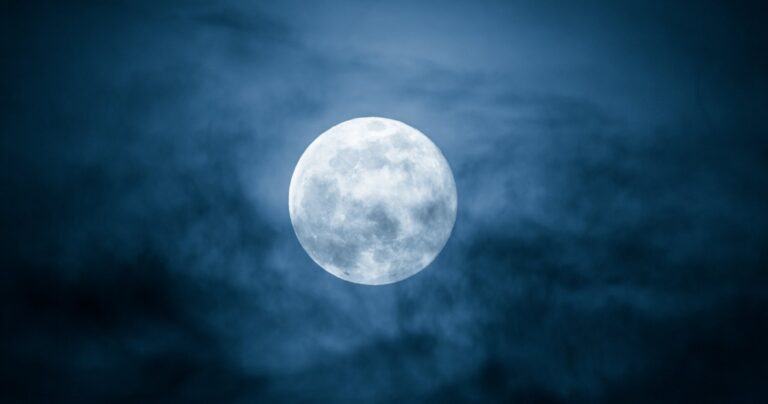 Rare Blue Moon on 31 October, Wonder After 76 Years: Fact Check