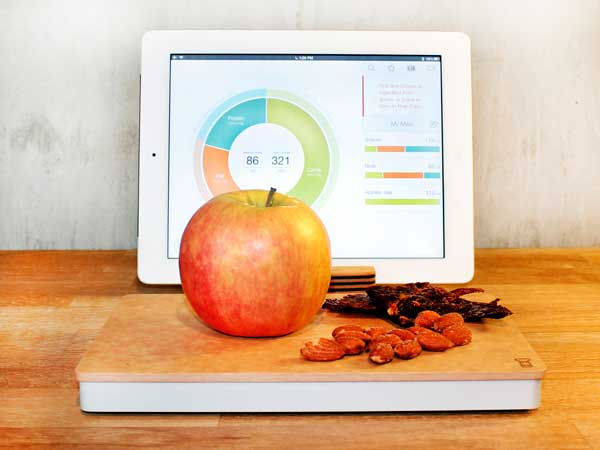 Prep Pad smart kitchen scale that provides insight in nutritional value of ingredients