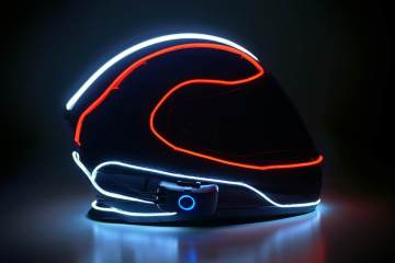TRON-like motor helmet lighting