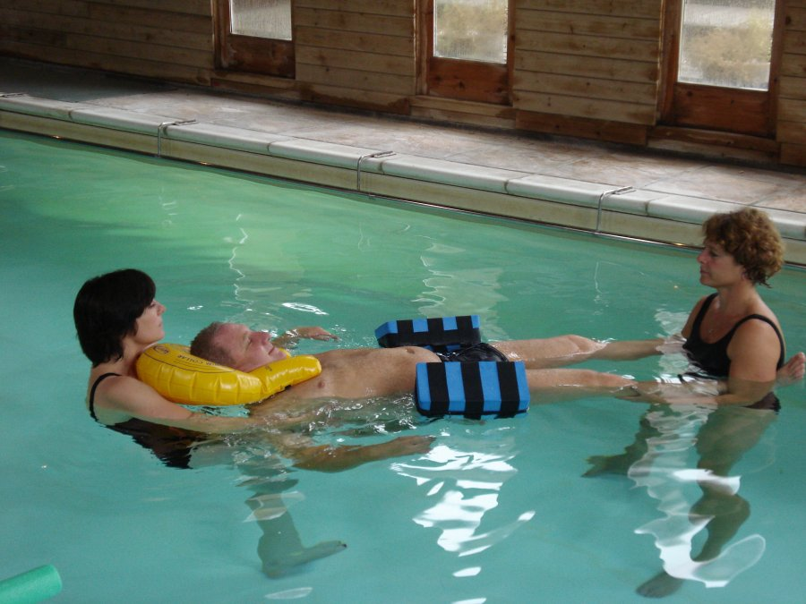 wheelchair leg support antique stroller high chair spinal cord injury service | hobbs neurological rehabilitation