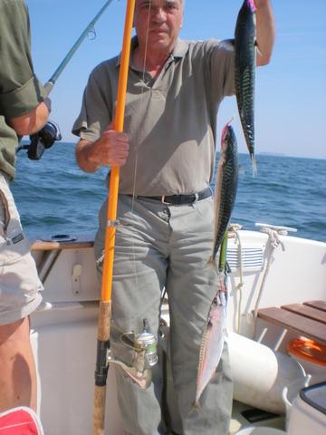 Makrelenfang bei herrlichem Wetter von Helgoland aus