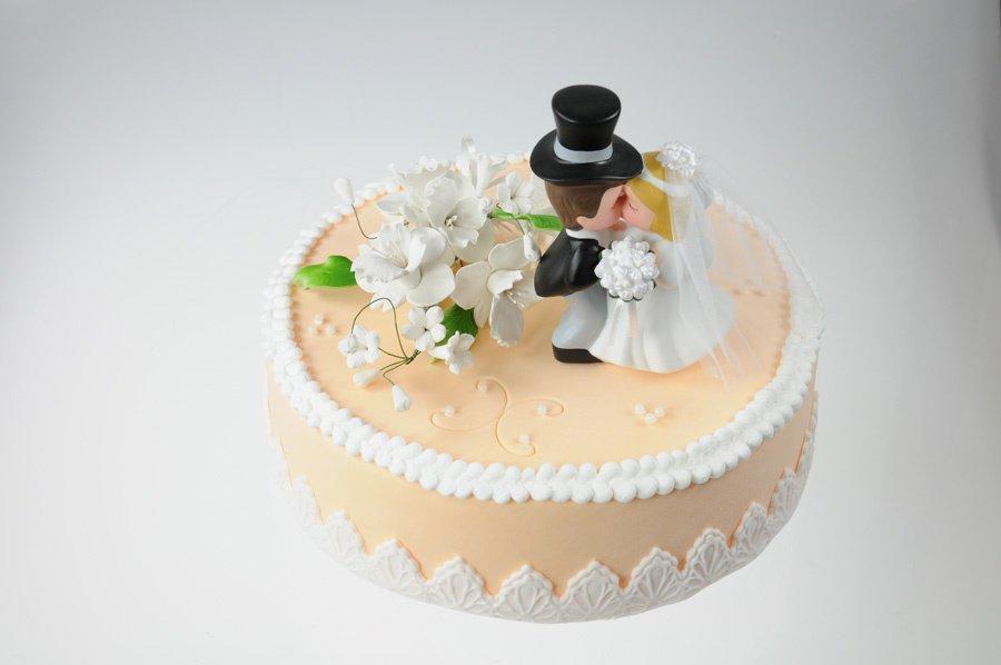 Brautpaar kssend  125 cm aus Porzellan Hobbybcker