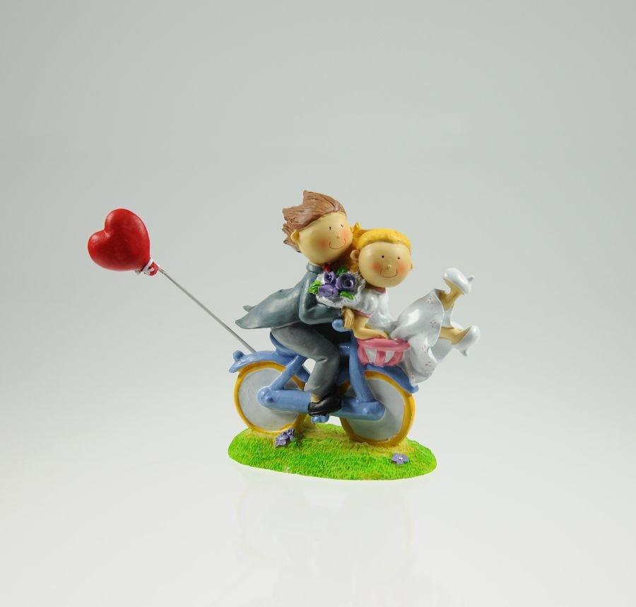Brautpaar auf Fahrrad mit Herz 12 x 12 cm aus Polyresin