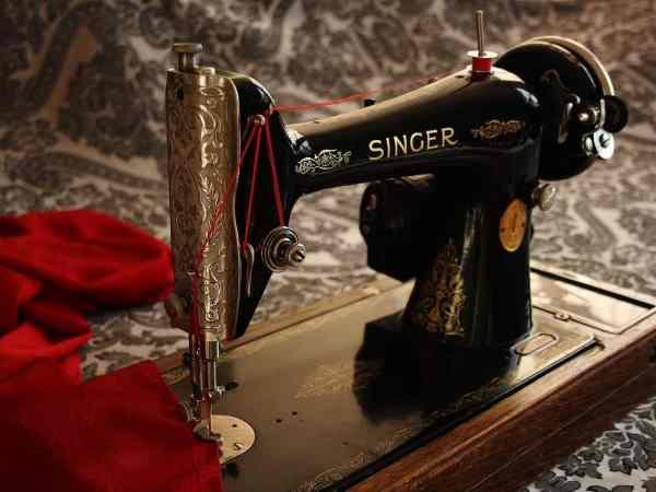 Die erste Nähmaschine wurde 1790 für Schuhmacher gebaut. (Bildquelle: Pixabay.com / Steen Jepsen)