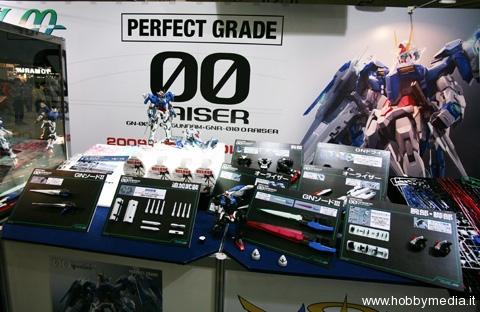gundam-00-raiser-perfect-grade-bandai-160-3