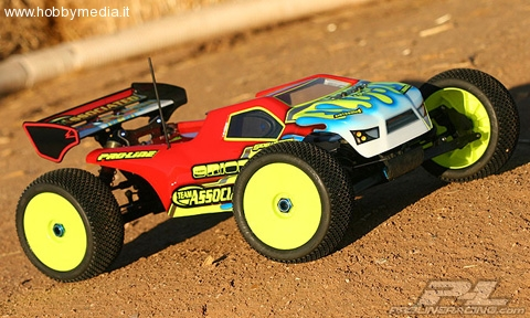 proline-bulldog-carrozzeria-per-associated-rc8t