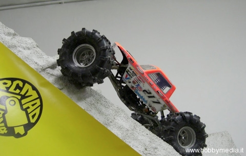 rcmad4x4x4-rc-rock-crawler-4