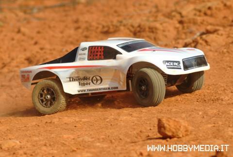 tomahawk-sc-rtr-short-course-truck-nitro-1-10