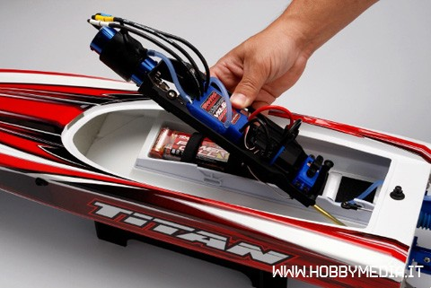 traxxas-titan-brushless-bot-type-deep-v-8