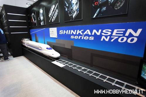 shinkansen-series-n700-os-locomotive-3