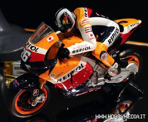 kyosho-moto-race-tokyo-hobby-show-2012-3