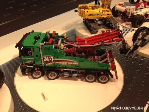lego-service-truck-42008