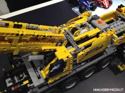 lego-technic-mobile-crane-mk-ii-42009-2