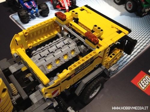 lego-technic-mobile-crane-mk-ii-42009-5