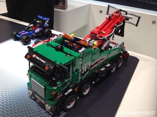 lego-technic-service-truck-set-42008