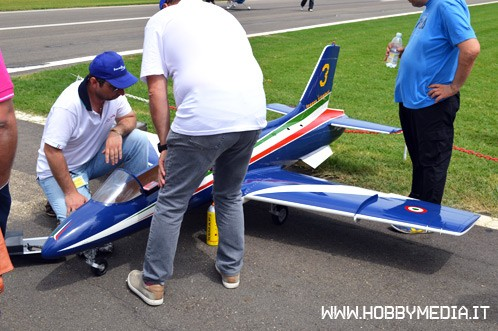 jet-a-turbina-frecce-tricolori-radio-model-show-2013