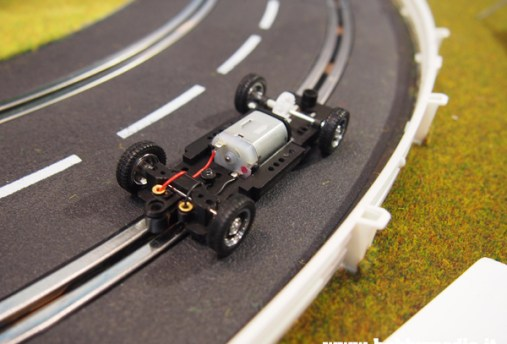 edriving-kyosho-slot-car-3